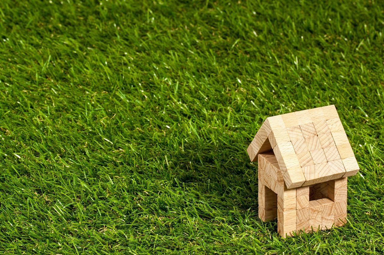Comment savoir si un bien immobilier est vendu au prix juste ?